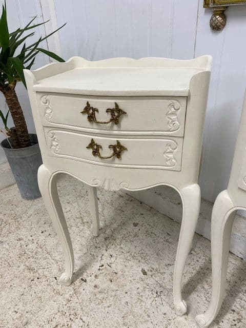 Pretty French Bedsides Tables - Lamp Tables - g179